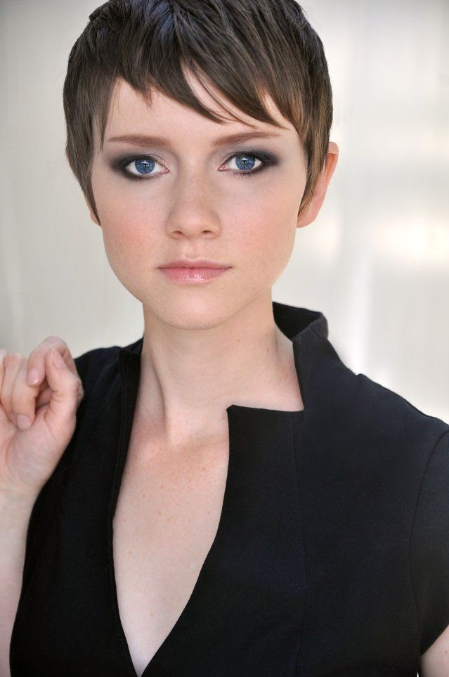 Valorie Curry Tits photo 19