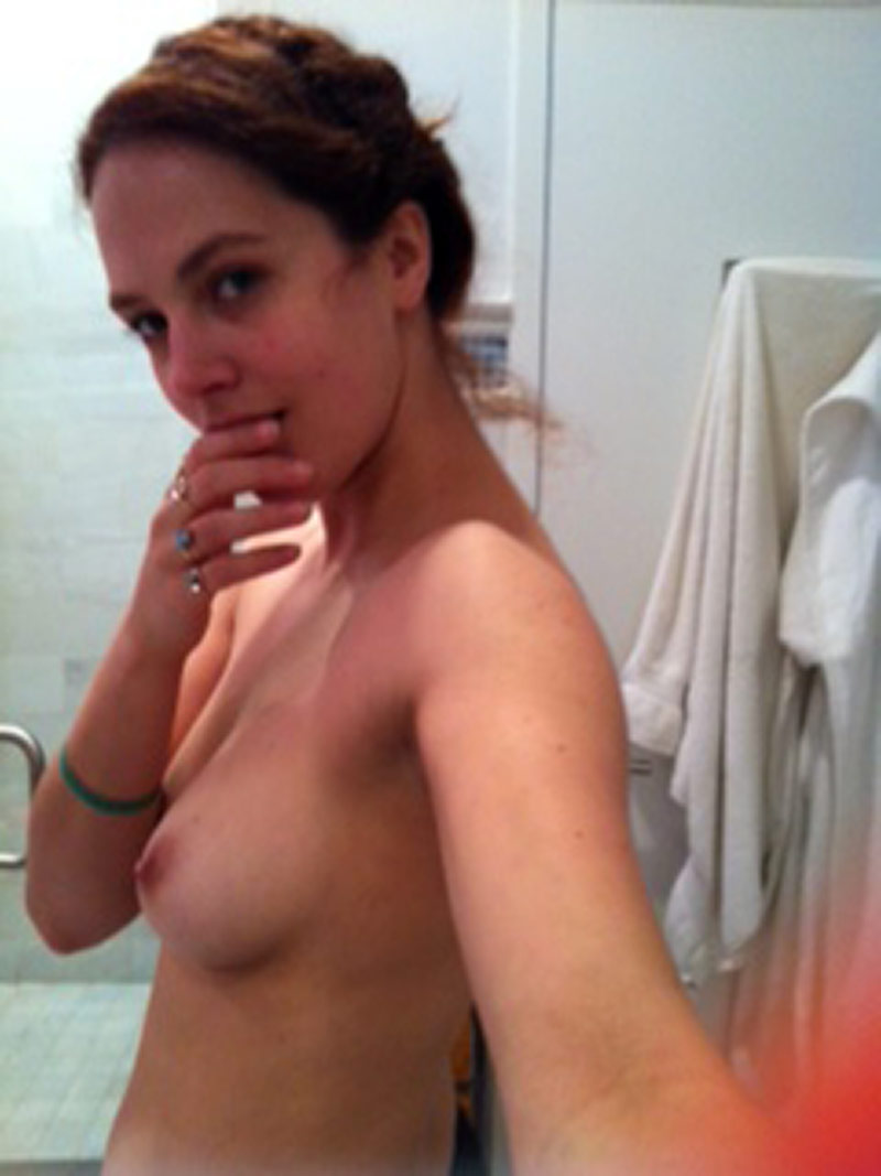 Jessica Brown Findlay Leaked Photos photo 1