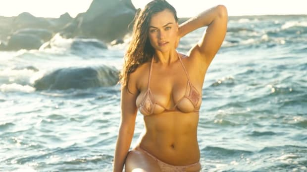 Sports Illustrated Swimsuit Topless photo 20